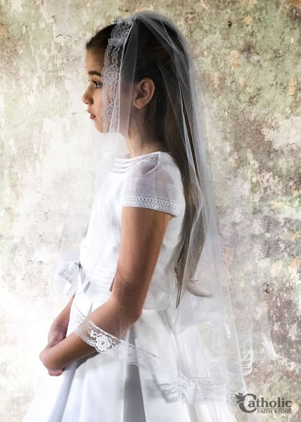 First Communion Veil Mantilla Style in Imitation Chantilly Lace - White