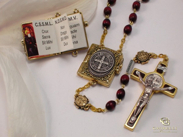 Ghirelli rosary st benedict with wood beads medal
