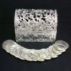 Silver Tone Arras in Treasure Chest Keepsake Box