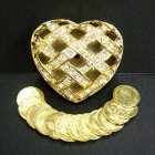 Gold Tone Arras in Crisscross Heart Box