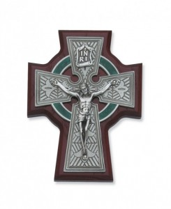 "Cherry Wood Celtic Crucifix - 5.5"" H [MVCR1042]"