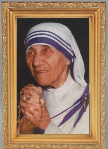 Mother Teresa Antique Gold Framed Print [HFA0064]