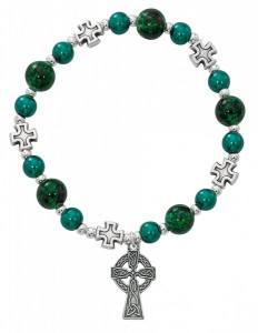 Women's Celtic Stretch Bracelet with Green Pearl Beads and Cross Charm [MCBR0030]
