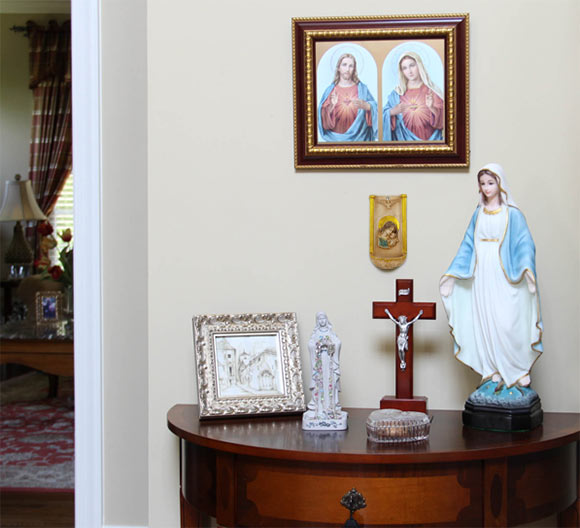 Do you forget to pray? A prayer altar is a visual reminder to pray
