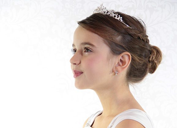 Top 6 Things to Consider for Your Daughter's First Communion