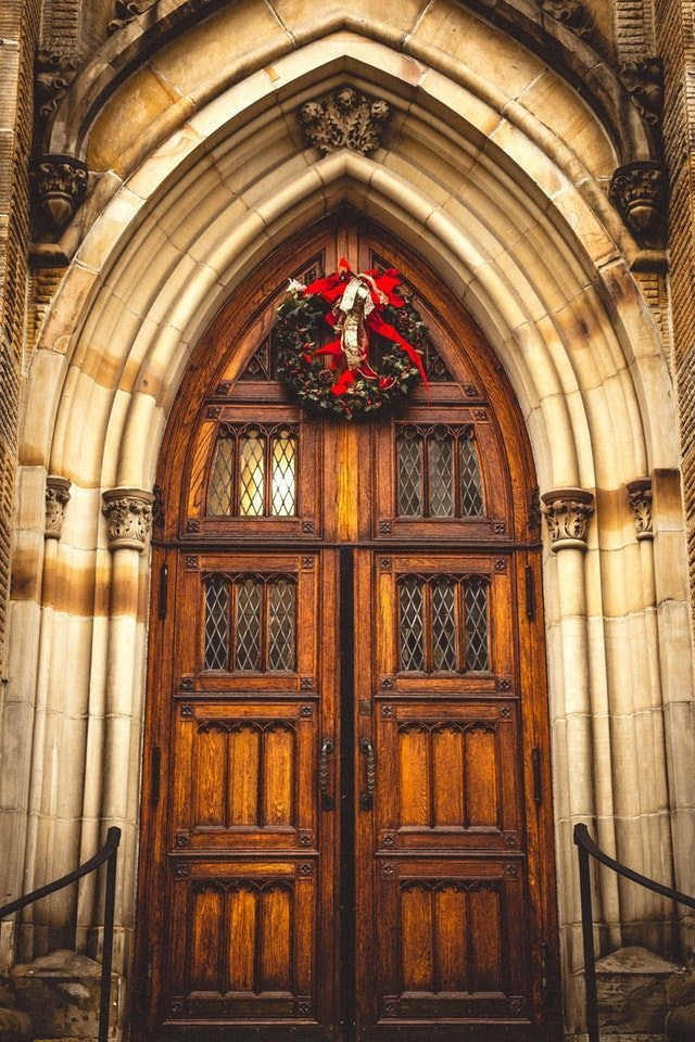 5 Christmas Day Traditions for Catholic Families | Catholic Faith Store